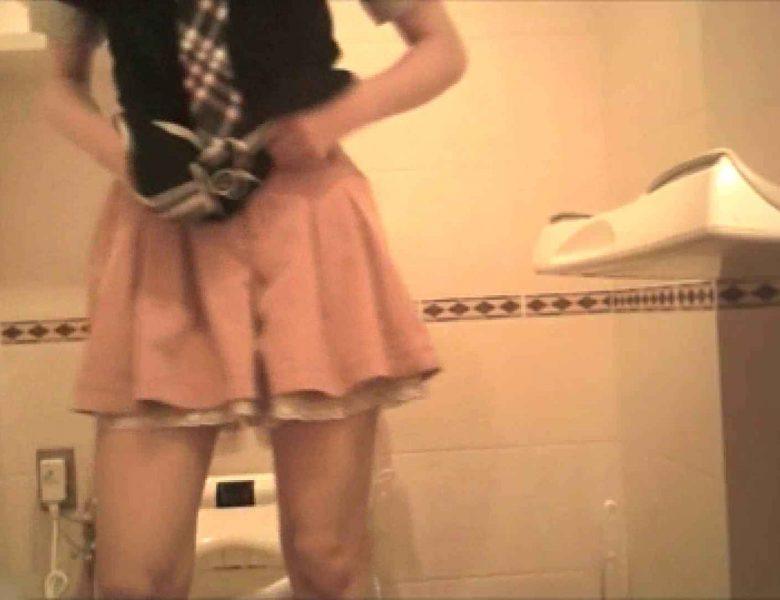 実録!!綺麗なお姉さんのトイレ事情・・・。vol.19 ナプキン  80画像