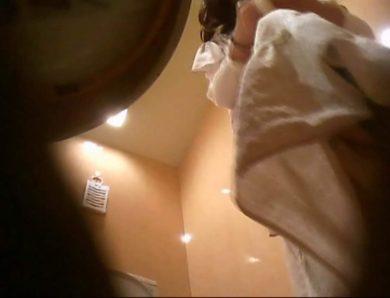 潜入!!女子化粧室盗撮~絶対見られたくない時間~vo,111 お姉さんヌード  100画像