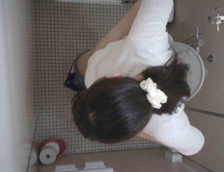有名大学女性洗面所 vol.65 秘技!!マルチアングル天井撮り!! 潜入  65画像