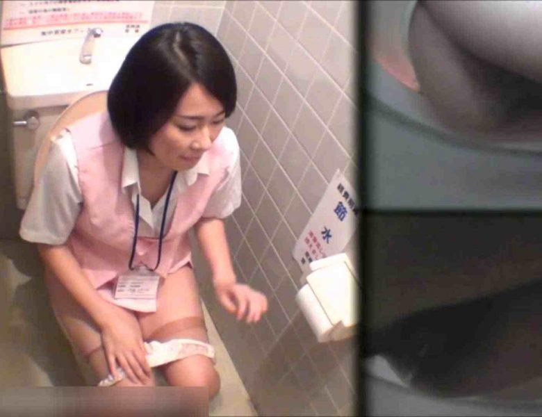 洗面所盗撮~隣の美人お姉さんVol.25 お漏らし  50画像